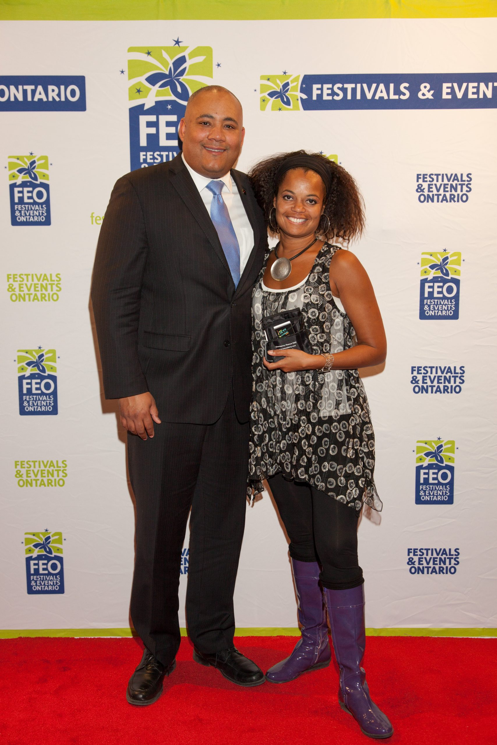 Juliet Dunn and Michael Coteau (Minister of Tourism, Culture, and Sport 2016)