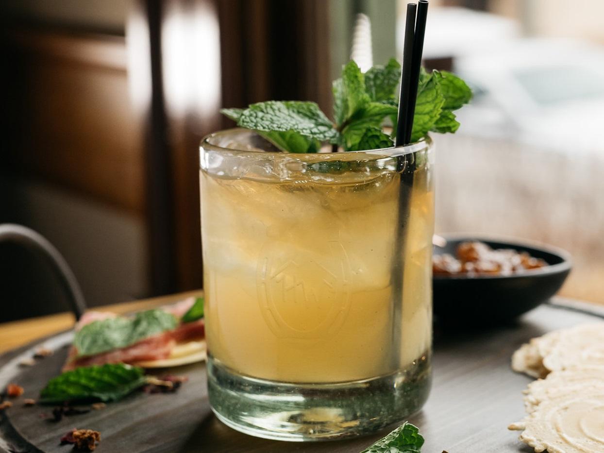 Whisky Rosemary Lemonade